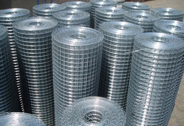China 1/2 3/4 1'' Hot Dipped Galvanized Welded Wire Mesh Max width 2.5m supplier