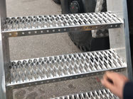 Light Weight Anti Skid Metal Plate / Anti Slip Metal Stair Treads safety Strut Grip