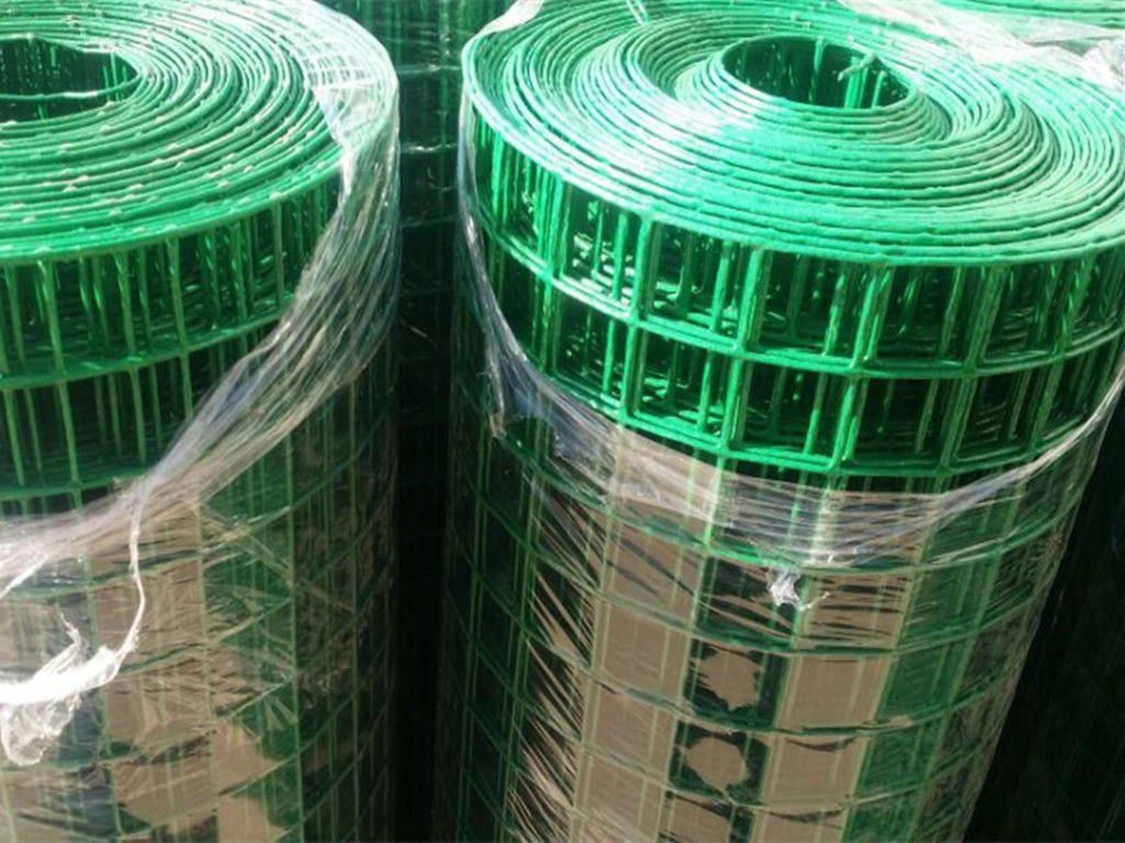 Green PVC Plastic Coated Welded Wire Mesh Panels Rolls For Making ...