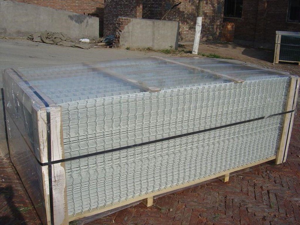 4x4 Hot Dipped Galvanized Welded Wire Mesh Panels For Mine Sieving ...